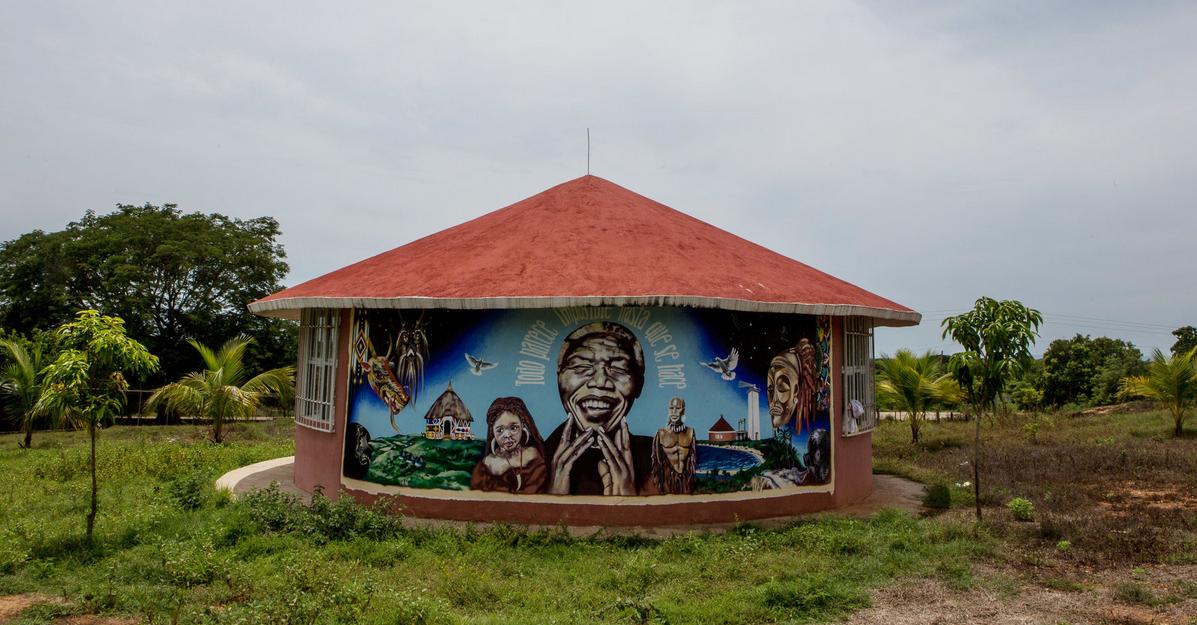 A mural honoring Nelson Mandela at a university in Cuajinicuilapa, Guerrero. Adriana Zehbrauskas for The New York Times